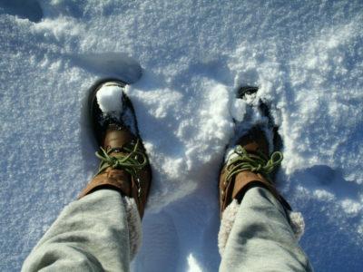 北海道・洞爺湖 雪国の暮らし スノーブーツを買う